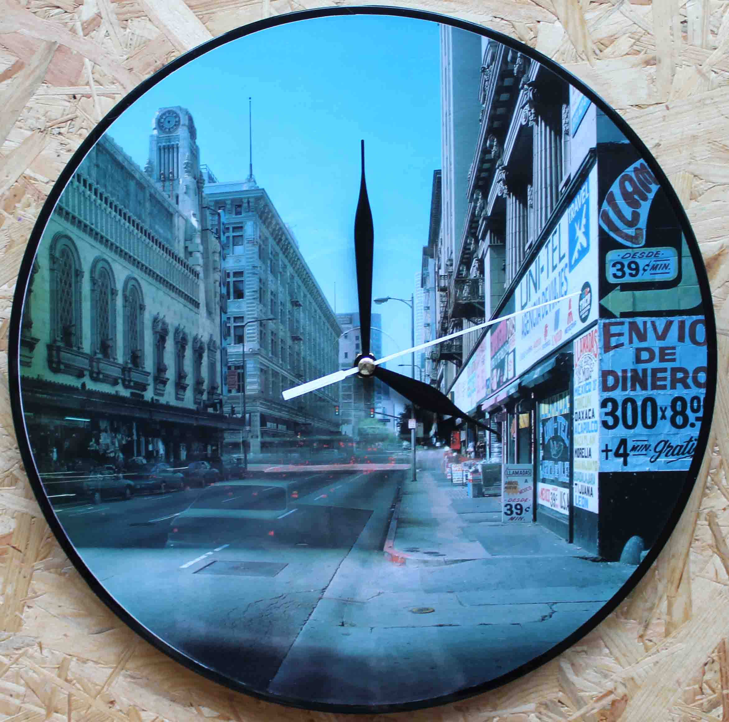 Vinylové hodiny - Město